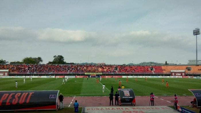 Terens Borong Dua Gol, Babak Pertama Borneo FC Unggul 2-0 Atas PSM Makassar, Lima Kartu Kuning