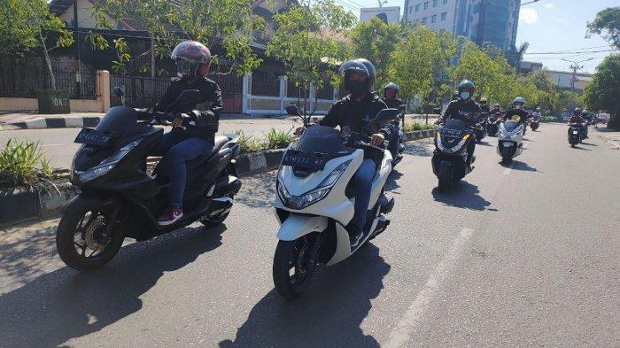 Komunitas Honda PCX dan Jurnalis Samarinda Buktikan Kenyamanan Big Matic PCX 160