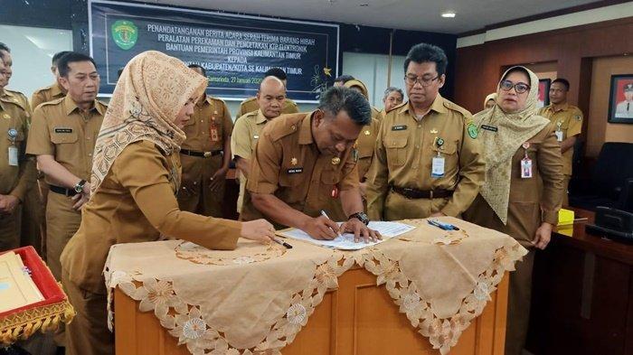 Pemprov Kaltim Beri Bantuan Alat Perekaman dan Pencetakan e-KTP untuk Pemkab Paser Ini Harapan Sekda