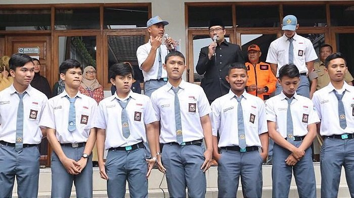 Kemendikbud Berencana Buat Soal UN 2018 Bentuk Esai, Menurut Survei: Mayoritas Pelajar SMA Menolak!