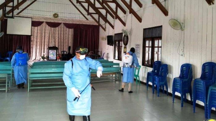 Cegah Penularan Covid-19, Area Umum di Mahulu Disemprot Disinfektan