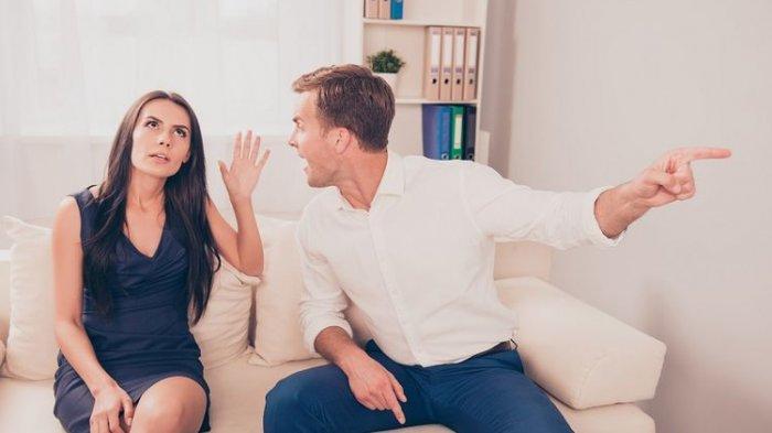 Sepasang kekasih yang berselisih paham atau bertengkar