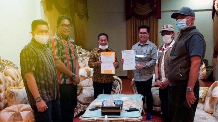 Wabup Kukar Rendi Solihin Beri Bantuan Rp 100 Juta kepada Korban Bencana di Majene Sulawesi Barat
