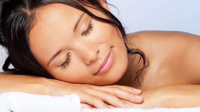 Sakit Kepala hingga Rambut Rusak, Ini 4 Dampak Buruk Akibat Tidur dengan Rambut Basah untuk Tubuh