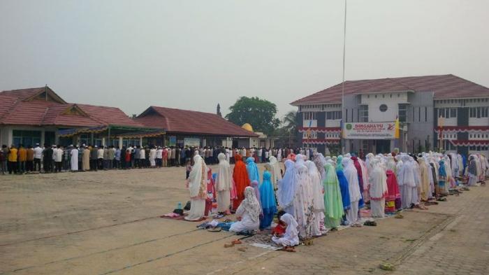 Umat Muhammadiyah Sangatta Shalat Id di Lapangan Kecamatan