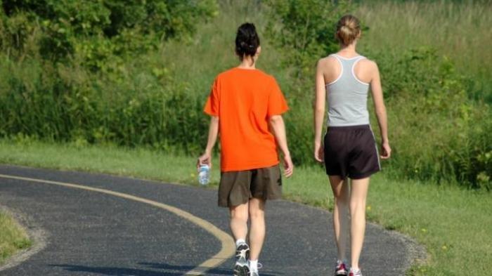 Benarkah Olahraga Jalan Kaki Lebih Baik Ketimbang Berlari? Ini Manfaatnya Bagi Kesehatan, Ayo Dicoba