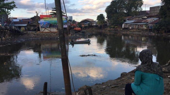 Sungai Karang Mumus di Gang Nibung Sisi belakang Pasar Segiri Menyempit 15 Meter, Ini yang Terjadi