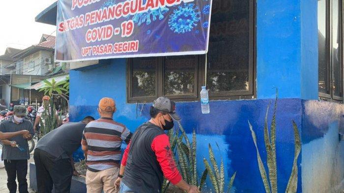 Lawan Virus Corona di Samarinda, Satpol PP dan Dinas Perdagangan Bangun Pos Covid-19