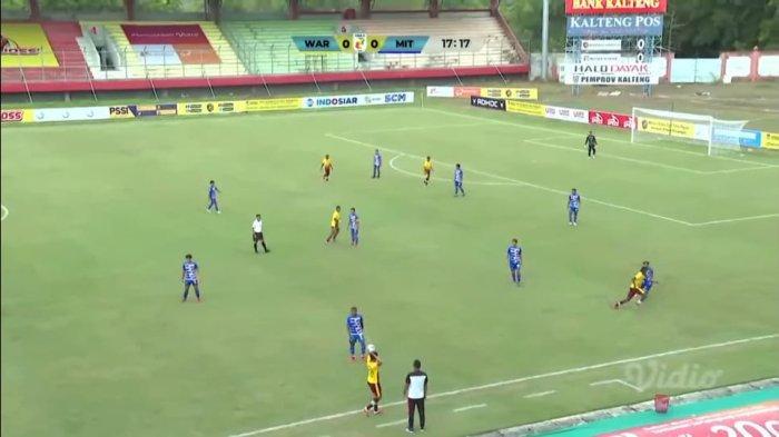 Persewar Waropen vs Mitra Kukar FC Berlangsung, Kedua Tim Coba Saling Curi Gol