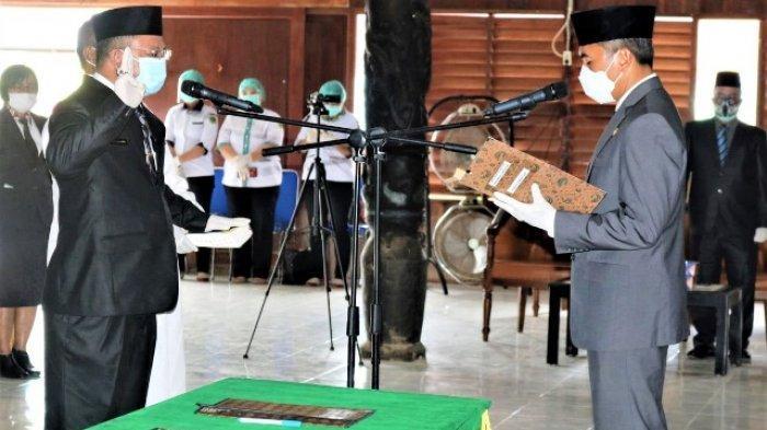 Dr Stephanus Madang Jabat Sekda Definitif, Dilantik Pjs Bupati Mahulu di Balai Adat Ujoh Bilang