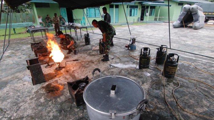 suasana-dapur-umum-korem-091-aji-surya-natakesuma.jpg