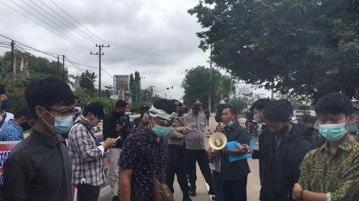 Demo Warga Loa Kulu Kukar Desak Ganti Rugi Tanam Tumbuh ke Perusahaan