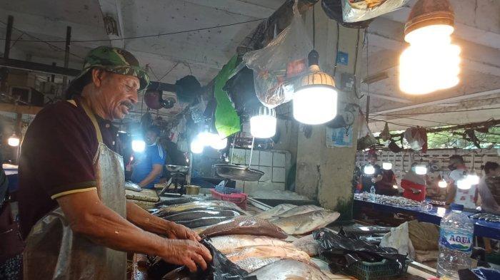 Pasokan Menipis dari Nelayan, Harga Ikan di Pasar Pandansari Balikpapan Melonjak