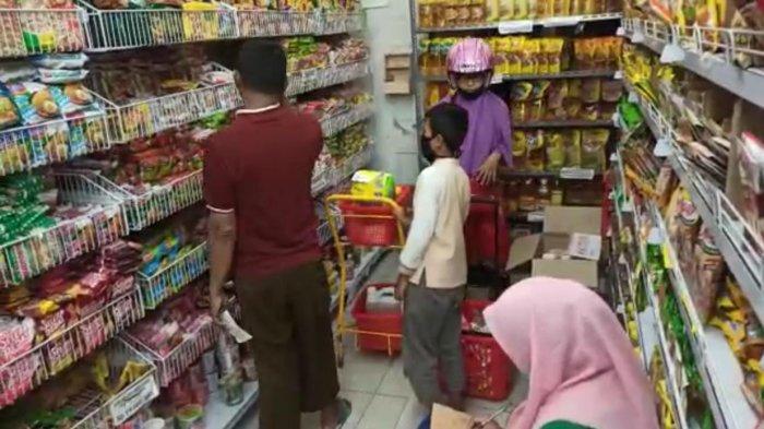 Gegara Virus Corona, Warga Penajam Serbu Supermarket, Belanja Kebutuhan Pokok Persiapan Lockdown