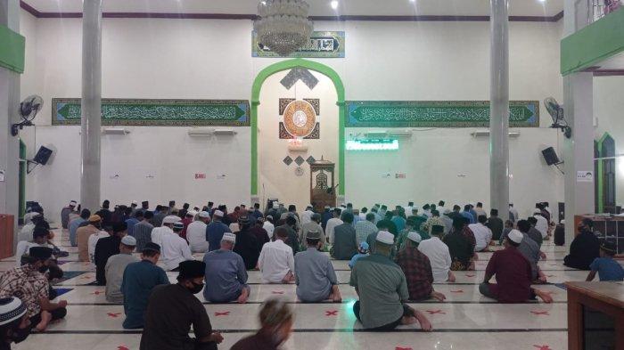 Umat Islam di Malinau Gelar Tarawih Pertama di Masjid Agung Darul Jalal, Jemaah Diimbau Bawa Sajadah