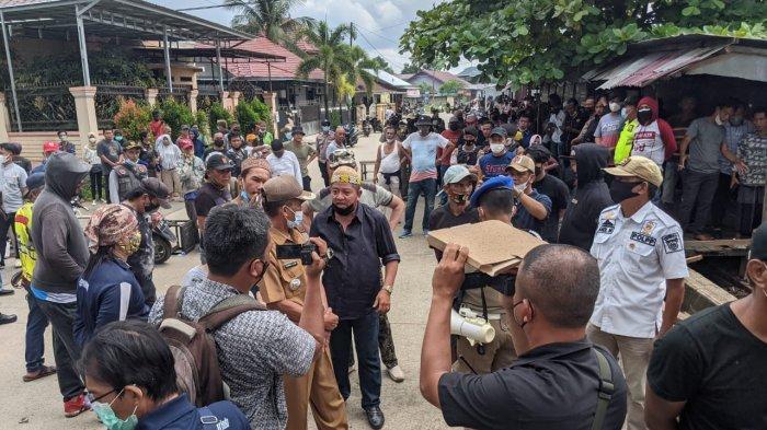 Pemilik Kios Sempat Menolak, Satpol PP Tetap Lanjutkan Pembongkaran di Gang Ahim Samarinda Utara