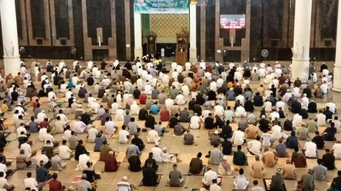 Deretan Foto Sholat Idul Fitri di Kota Tarakan, Berlangsung Tertib dengan Prokes Ketat