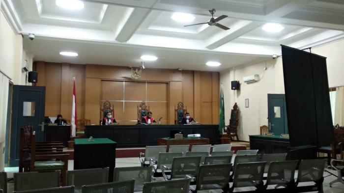 Sidang Kasus Dugaan Proyek Fiktif Tangki Timbun 2 Kali Tertunda, Dokter Beber Kesehatan Iwan Ratman