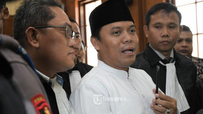 Ditahan di Bareskrim, Gus Nur Positif Covid-19, Komite Eksekutif KAMI Jumhur Hidayat Ikut Terpapar