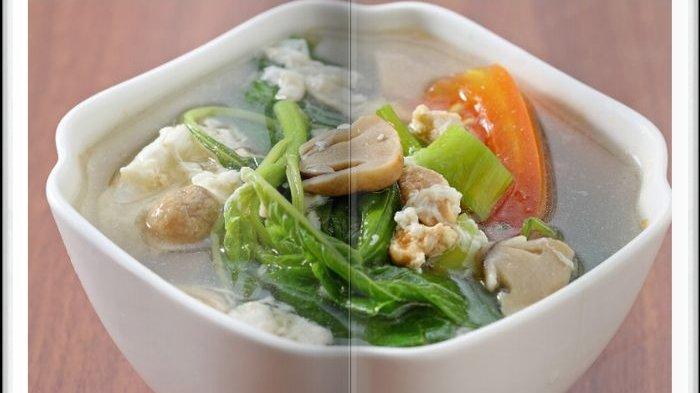 Cara Bikin Sup Bayam Telur Asin Berserabut, Pelengkap Menu Makan Siang Hari ini