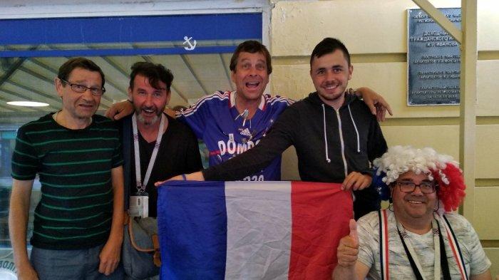 Pendukung Perancis dan Uruguay Saling Ledek, Cavani dan Suarez Jadi Bahan Ejekan