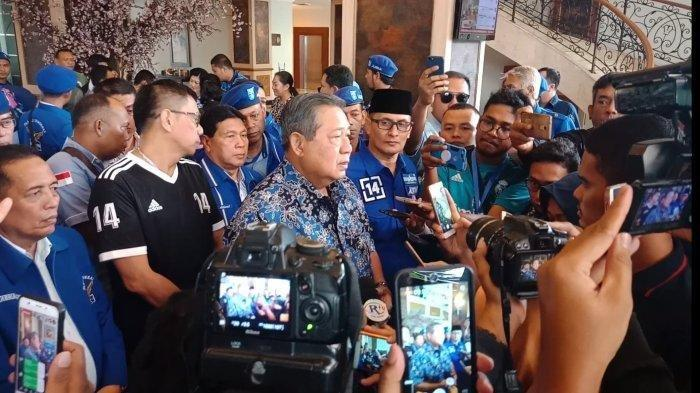 SBY Gelar Rapat Darurat di Kuningan, Bahas Perusakan Atribut Demokrat