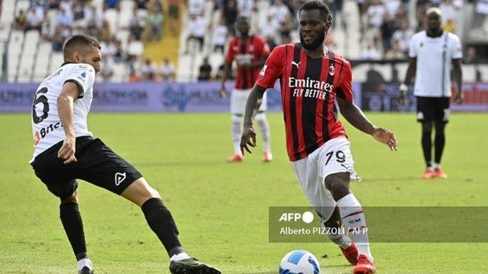 Update Liga Italia: Kessie Selangkah Lagi Tinggalkan AC Milan, Susul Calhanoglu ke Inter Milan