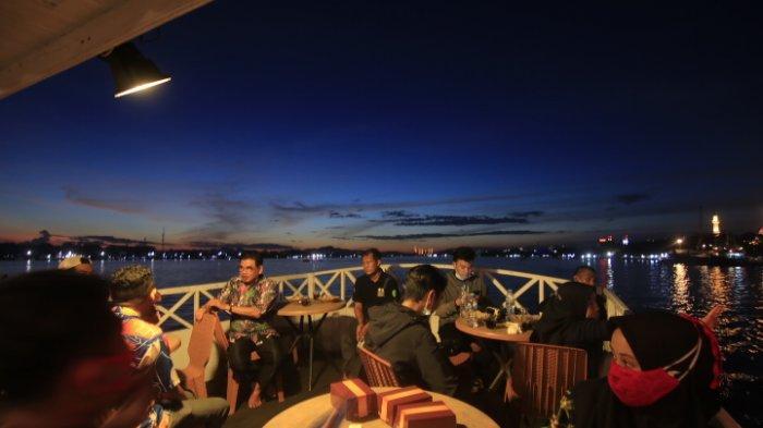 Susur Sungai Mahakam dengan Kapal Wisata Pesut Bentong.