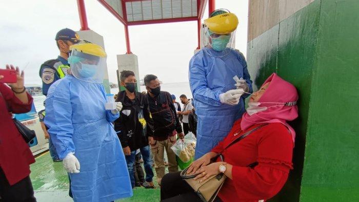 Aktivitas swab test menggunakan rapid antigen di Pelabuhan Tengkayu 1 Kota Tarakan. TRIBUNKALTARA.COM/ANDI PAUSIAH