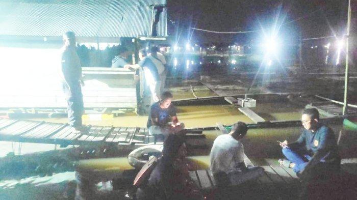 BREAKING NEWS Perahu Ces Karam di Sungai Mahakam Kukar, Satu Orang Hilang