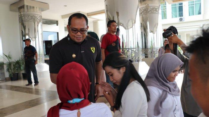 Lepas Peserta Audisi Liga Dangdut Indonesia LIDA Asal Kutim, Wabup Ini Janjikan Tiket ke Bali