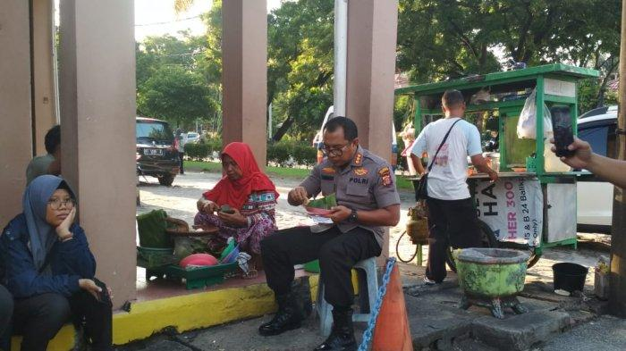 TRIBUN WIKI Kapolresta Balikpapan Kombes Turmudi, Suka Menolong,tak Canggung Makan di Pinggir Jalan