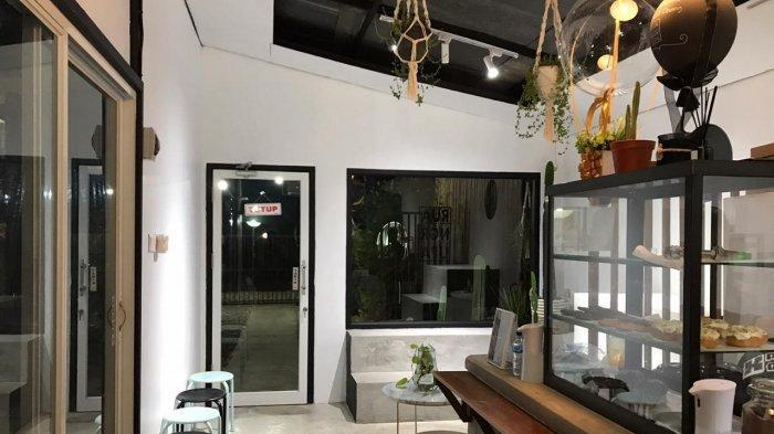 Mantan Pramugari Cantik Buka RuangRupa di Sangatta, Usung Nuansa Cafe Ala Bali