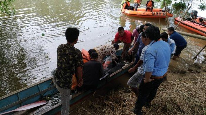 Pemuda Ini Nekat Melompat dari Jembatan dan Tewas Dibawa Arus Sungai Sejauh 500 Meter