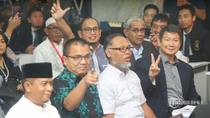 TERPOPULER - Maruf Amin Jabat di 2 Bank Syariah, Tim Prabowo-Sandi Sebut Dia Didiskualifikasi Saja