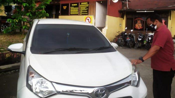 Ditinggal Satu Jam Parkir di Stadion Segiri, Warga Samarinda Kaget Lihat Empat Ban Mobilnya Raib
