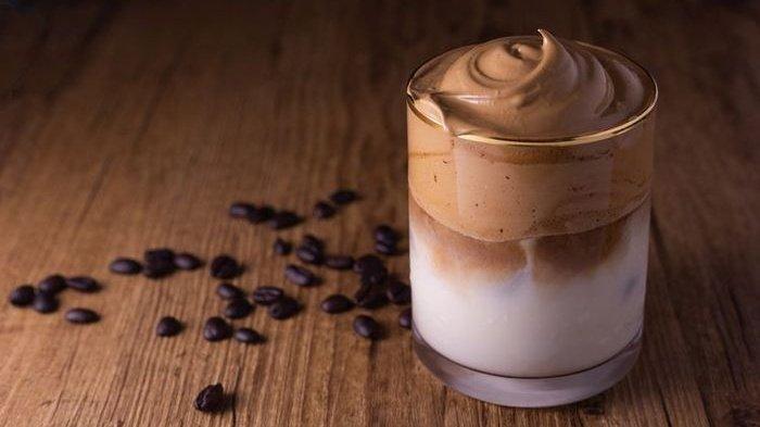 Tips Bikin Dalgona Coffee, Cara Mudah Bikinnya tanpa Pakai Mixer dan Hindari 3 Kesalahan Ini