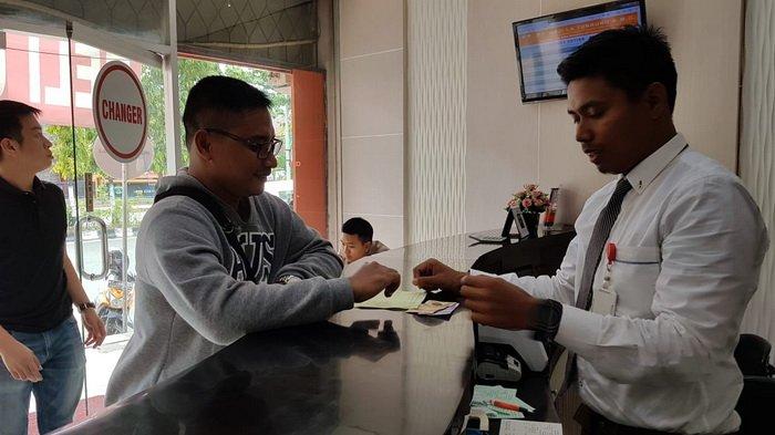 Rupiah Melemah, Transaksi Money Changer di Balikpapan Tembus 20 Ribu Dolar Dalam 2 Hari