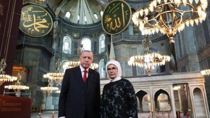 Trending Topic Tagar #HagiaSophia, Hari Ini Shalat Jumat Pertama di Hagia Sophia Setelah 86 Tahun