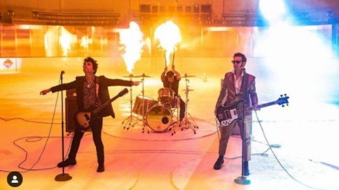 Trending Wake Me Up When September Ends, Ini Kisah Pilu Lagu Green Day hingga Tabu Dibuat Meme