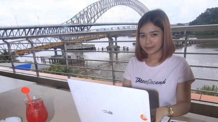 Work From Hotel, Sambil Bekerja Gadis Cantik Tri Dita Priayunita Menikmati Suasana dan Pemandangan