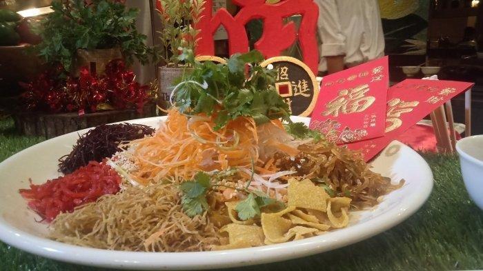 Makanan Berupa Salad Segar yang Disajikan Saat Tahun Baru Imlek, Mengenal Yu Sheng