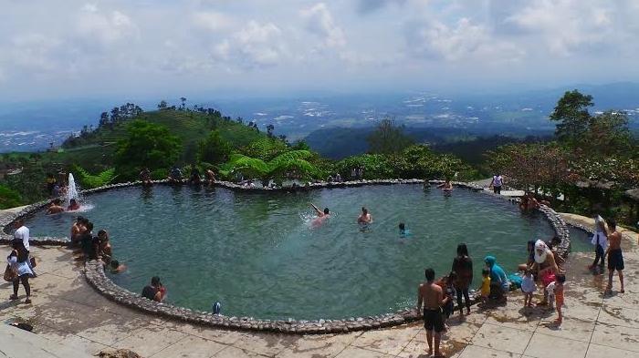 Ini Daya Tarik Bagi Wisatawan untuk Berkunjung ke Kawasan Wisata Umbul Sidomukti, Taman Renang Alam