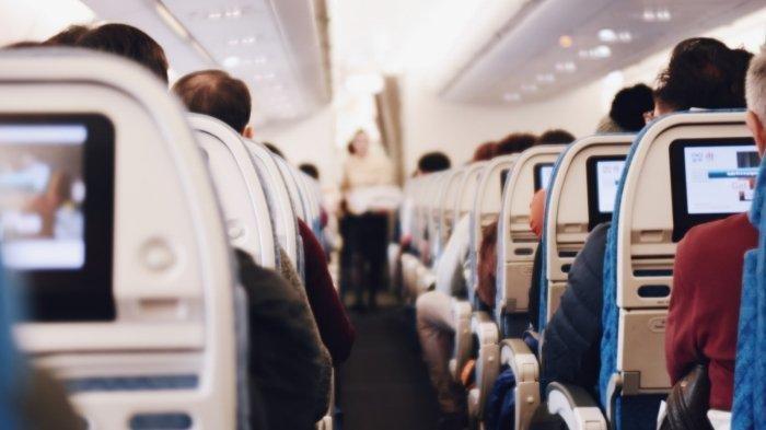 Berdasarkan Tempat Duduk, Inilah 3 Etika Penumpang Pesawat, Nyamankah Duduk di Kursi Tengah?