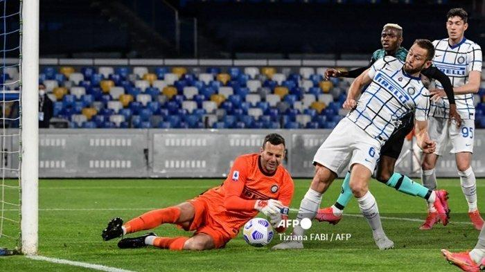 Inter Milan Gerak Cepat Cari Pengganti 2 Pemain Senior, Kiper Muda Kamerun Jadi Suksesor Handanovic