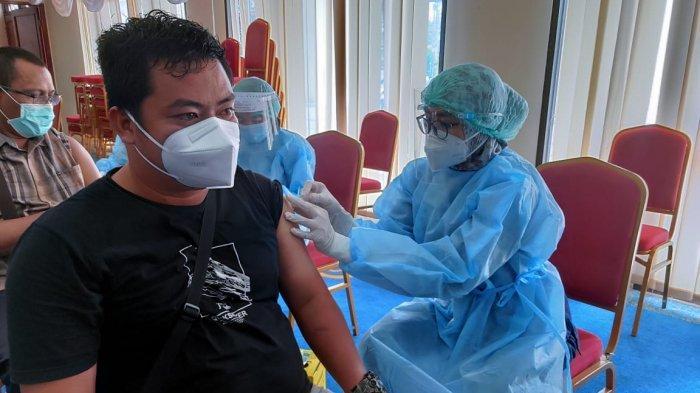 Gerak Cepat, Kemenkes Pakai Vaksin AstraZeneca, Digunakan Negara Muslim, MUI Beber Mengandung Babi