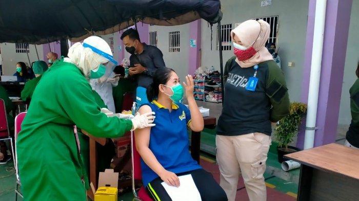 Hari Ini Ratusan Warga Binaan Ikut Vaksinasi Dosis Kedua di Lapas Perempuan Tenggarong