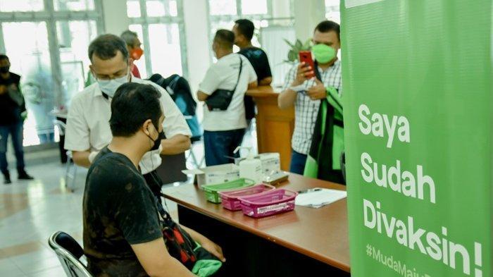 Persiapkan Layanan Transportasi IKN yang Aman, Gojek & Unmul Vaksinasi Ribuan Mitra Gojek Samarinda