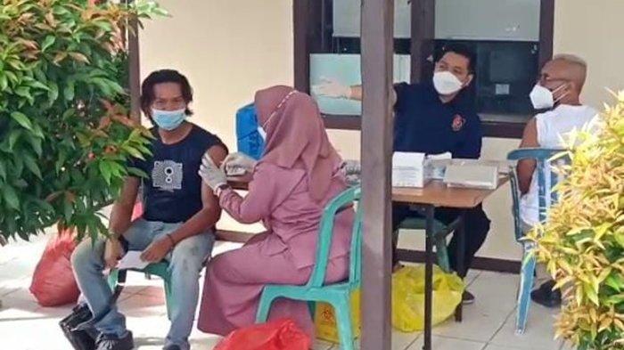 Untuk Masyarakat Umum dan Awak Media, Polda Kaltim Salurkan 350 Vaksin Covid-19 Dosis Pertama