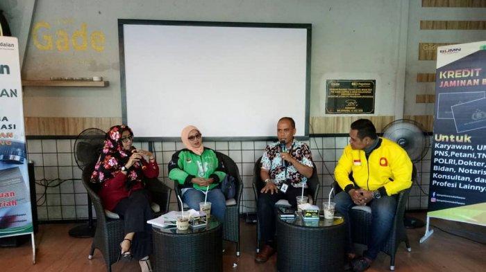 verdy-azwar-batik-saat-diskusi-the-gade-talk-beberapa-waktu-lalu.jpg